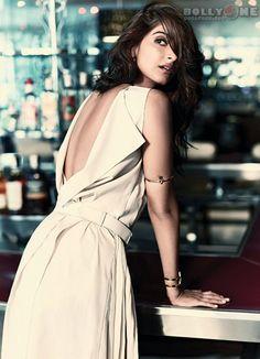 Sonam Kapoor Sizzles on Femina Magazine May 2014 ***