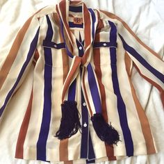 TORY BURCH BLOUSE 100% silk blouse with detachable scarf. Worn once, perfect condition. Tory Burch Tops Blouses