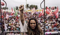 A filha do cantor Taiguara, Imyra Tayguara, repete os passos do pai, grande artista e ativista que, em 1984, participou da campanha das Diretas e canta neste domingo (28), em Copacabana.