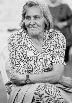 Addio a Margherita Hack, astrofisica e divulgatrice scientifica. La  scienziata è morta a 91 anni all'ospedale Cattinara, a Trieste, dove era  ricoverata da una settimana. E' stata la prima donna a dirigere un  osservatorio astronomico in  Italia,  ha svolto un'importante attività