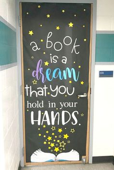 This could be my absolute FAVORITE door that I've done! Click to see this and several other inspiring classroom door decorations that are sure to bring a smile to both yours and your students' faces each morning. Great for ANY grade level - elementary, middle or high school.