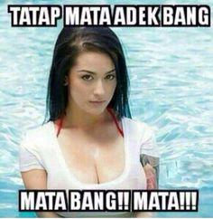 Tatap mata adek bang! Cute Girl Image, Girls Image, New Memes, Funny Memes, Jokes, Facebook Emoticons, Life Humor, Laughing So Hard, Just For Fun
