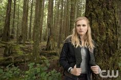 The 100 -- Image: HU01_CC_Clarke_2580 -- Pictured: Eliza Taylor as Clarke -- Photo: Cate Cameron/The CW -- © 2014 The CW Network. All Rights Reserved.