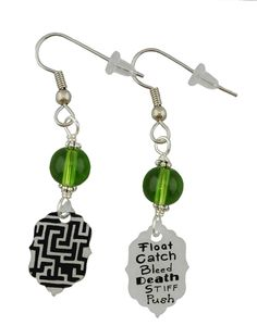 Maze Runner Inspired Earrings the one that's on the left looks amazing Maze Runner The Scorch, Maze Runner Series, Hard Mazes, The Scorch Trials, Thomas Brodie Sangster, Looks Cool, Die Hard, How To Draw Hands, Fandom Jewelry