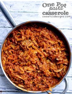 one pot pasta casserole at sweetcsdesigns.com - this is delicious and works with gluten free or regular pasta! The pasta cooks IN the sauce for more flavor and less mess! #casserole #pasta