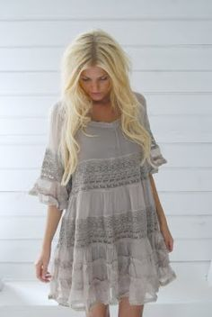 I need this dress. OMG.