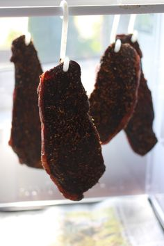 Whenever I mention South African food to non-South Africans someone will always mention biltong, usually describing it as this weird kind of raw dried meat that someone once made them try, but sometimes as this amazingly moreish snack. As for South A South African Dishes, South African Recipes, Africa Recipes, Jerky Recipes, Meat Recipes, Recipies, Savoury Recipes, Oven Recipes, Meat Shop