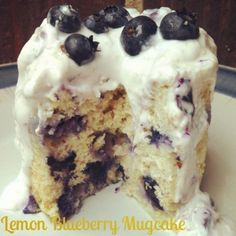 Ripped Recipes - Lemon Blueberry Mugcake - My favorite breakfast mugcake! Mug Recipes, Cake Recipes, Healthy Desserts, Delicious Desserts, Healthy Food, Protein Mug Cakes, Indian Cake, Ripped Recipes, Fig Cake