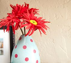Home Decor Polka Dot Vase made with Cricut Vinyl. Make It Now in Cricut Design Space