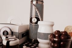 Lit Pasteleria® Nespresso, Coffee Maker, Kitchen Appliances, Breakfast, Coffee Maker Machine, Cooking Ware, Coffee Percolator, Home Appliances, Coffeemaker