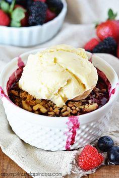 Mixed Berry Crisp (Strawberry, blueberry, raspberry, blackberry... ...) Yum!