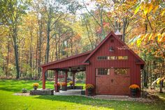Discover the world of pole barn kits and how they can come in handy. Maybe you already have your dream home, but you need a garage. You can build yourself Pole Barn Garage, Carport Garage, Pole Barn Homes, Pole Barns, Backyard Barn, Backyard Sheds, Backyard Landscaping, Barn Plans, Shed Plans