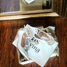 """27 """"Μου αρέσει!"""", 0 σχόλια - Divina Shoes (@divina_shoes_handmade) στο Instagram: """"Νυφικά Παπούτσια με χαμηλό τακούνι! #lowheelshoes #lowheelbridalshoes #divinashoes…"""" Tote Bag, Sneakers, Bags, Shoes, Instagram, Fashion, Tennis, Handbags, Moda"""