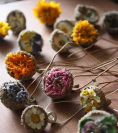 These sweet dried flower and acorn necklaces are so easy! 15 Coolest Nature Crafts for Kids