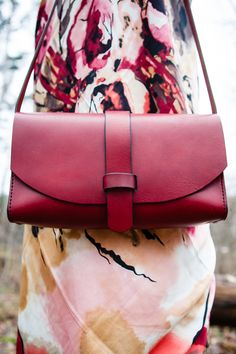 Sewing Bags For Women Red bag. Present for beautiful woman. Leather Purses, Leather Handbags, Leather Wallet, Leather Bags, Red Leather, Tote Handbags, Purses And Handbags, Red Bags, Cute Purses