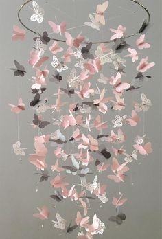 Schmetterling-Kronleuchter-Mobile in rosa grau und weiß meist