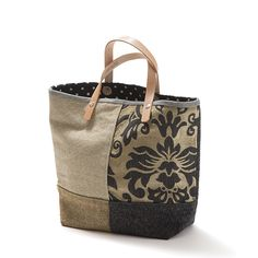 Tote bag - Melana , Kaz  Donna-lee Mala estilo saco, em tecido, forrada. Alças em couro natural. Pode ser usado tanto no braço como na mão. Handmade - numerado. Med: 42x31x14cm