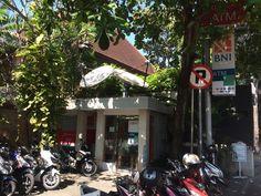 Bank ATM: BNI & CIMB Location: x2 machines located right next door to the Caramel restaurant on Jalan Cemara