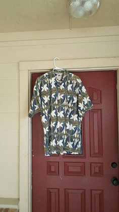Check out this item in my Etsy shop https://www.etsy.com/listing/491130722/1990s-mens-authenic-hawaiian-shirt