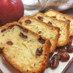 Puedes servir este cake de manzana y pasas con un hilo de miel por encima o con helado de vainilla. Las pasas las puedes sustituir por nueces picadas o poner las dos cosas.