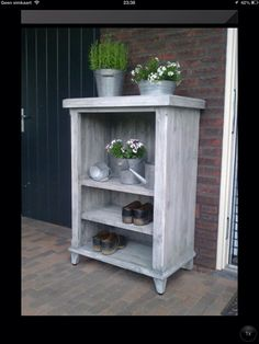 Schoenenkast, kast kan ook buiten! Garden Decorations, China Cabinet, Sewing Crafts, Home And Garden, Woodworking, Life, Furniture, Home Decor, Hipster Stuff