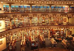 El Ateneo bookstore in Buenos Aires. Photography by joesphina- Flickr.com