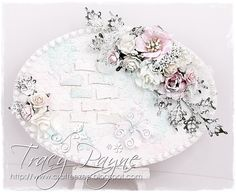 Hi Everyone, I thought I would share my recent make and take I did for a craft show. I used the Dutch Doobadoo MDF Oval Essentials and painted with Dutch Doobadoo White Gesso. I then used the leave