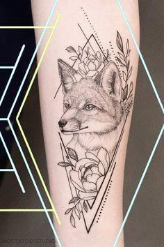 Тату лиса и эскиз тату лиса для тех, кто любит стиль графика. Тату лиса для девушек, которым нравится дотворк. Тату лиса | Эскиз тату лиса | Тату лиса для девушек | Дотворк | Графика | Геометрия | Тату на руке для девушек #foxtattoo #tattoo #татулиса #tattoodesign #tattooflash #tattooideas #inspirationtattoo #cutetattoo #girltattoo #эскиз #идея #grapgic #geometry #dotwork Tattoo Drawings, Body Art Tattoos, Tatoos, Fox Tattoo, Tattoo Life, Animals Tattoo, Saved Tattoo, Geometric Fox, Triangle Tattoos