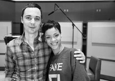 Funny Famous duo :) #thebigbangtheory #rihanna  from http://awesomepeoplehangingouttogether.tumblr.com