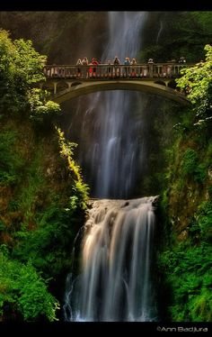 Beautiful Multnomah Falls Oregon, USA