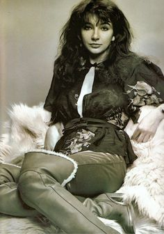 See Kate Bush pictures, photo shoots, and listen online to the latest music. Madonna, Musica Pop, Music Icon, Female Singers, Record Producer, Music Artists, Rock And Roll, Beautiful People, At Least