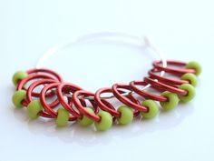 Bekijk dit items in mijn Etsy shop https://www.etsy.com/listing/232737000/snagless-dangle-and-snag-free-red-green