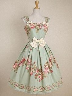 Shabby chic apron. This is so sweet.