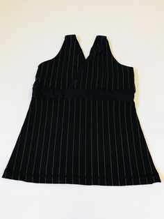 aa76c2309ccab LULULEMON Women s Sz 4 Black Striped White Deep V-Neck Tank Mesh Top Shelf  Bra