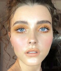 Mustard yellow eyeshadow, warm toned eye make up