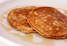 Fahéjas amerikai palacsinta recept képpel. Hozzávalók és az elkészítés részletes leírása. A fahéjas amerikai palacsinta elkészítési ideje: 50 perc Atkins, Nutella, Tapas, Pancakes, Breakfast, Recipes, Food, Morning Coffee, Recipies