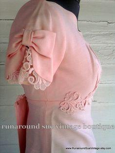 Love the bow sleeve idea
