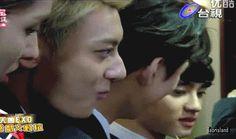 Taoris & Kaisoo in one gif. Kaisoo, Kyungsoo, Chanyeol, Song Daehan, Exo Couple, Love Park, Kim Minseok, Joo Hyuk, Song Joong Ki