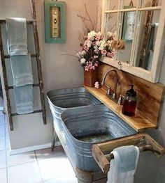 Im so in love with this. The babe might be busy this spring!  #bathroommakeover #rusticdecor #old #loveit