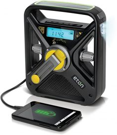 American Red Cross Hand Crank AM/FM Weather Alert Emergency Radio with Smartphone Charger - The Homestead Survival Bushcraft, Radios, Survival Tips, Survival Skills, Homestead Survival, Survival Stuff, Cool Survival Gear, Survival Gadgets, Survival Videos