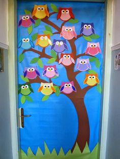 Owl-Themed Classroom Ideas - Classroom Bulletin Boards and Decor Owl Classroom Door, Classroom Themes, School Door Decorations, Class Decoration, Preschool Door, Preschool Crafts, Kindergarten Drawing, Owl Door, School Murals