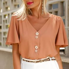 1960s Trends, Curvy Dress, Retro Fashion, Womens Fashion, Beautiful Blouses, Classic Outfits, Casual Chic, Casual Looks, Summer Outfits