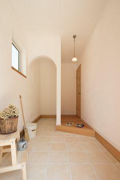 土間収納があると本当によく片付く。気持ちよく家族を迎えたい。#玄関 #casaNAGOYA #設計 #商品住宅 #南欧風住宅 #工務店 #タチ基ホーム #名古屋 #愛知