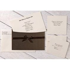 Wilton Embossed Flower Pocket Invitation Kit