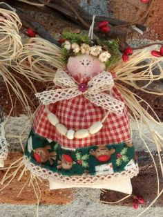 Christmas Crafts For Kids, Xmas Crafts, Christmas Angels, Christmas Wreaths, Christmas Ornaments, Handmade Angels, Angel Decor, Sewing Dolls, Tree Toppers
