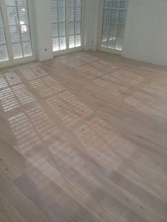 podłoga drewniana - deska dębowa bielona olej