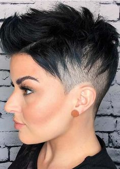 Pixie Short Hair For Women Designs and Smart - Lily Fashion Style Short Shaved Hairstyles, Pixie Hairstyles, Short Hairstyles For Women, Cool Hairstyles, Hairstyle Short, Undercut Hairstyles Women, Undercut Pixie, Updo Hairstyle, Wedding Hairstyles