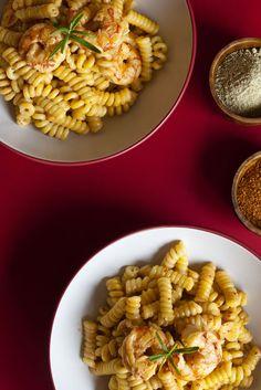 Pasta con gambones y salsa de chipotle