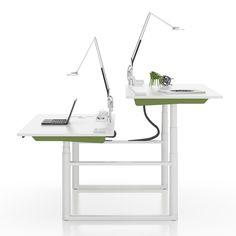 Ein Schreibtisch an dem man stehend arbeiten kann und der trotzdem gut aussieht: Vitra hat die Lösung | creme berlin