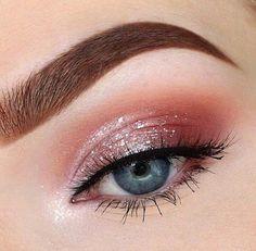 Beautiful brown eyebrow, pink glitter eye make-up and blue eyes . - awesome Beautiful brown eyebrow, pink glitter eye makeup and blue eyes - Glitter Eye Makeup, Pink Makeup, Cute Makeup, Pretty Makeup, Eyeshadow Makeup, Eye Makeup Art, Beauty Makeup, Eyeshadow Ideas, Applying Eyeshadow
